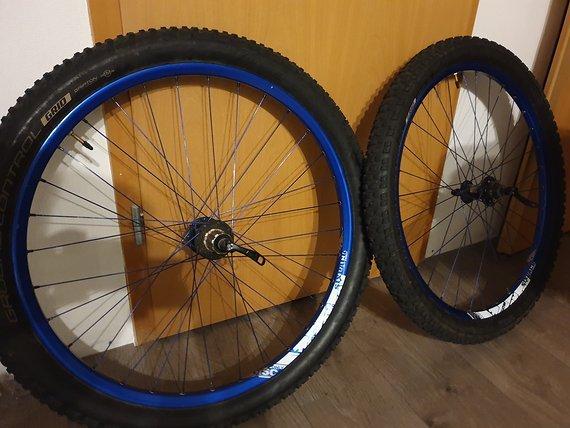 """Sixpack Laufradsatz Sixpack SAM 26"""" mit Reifen"""