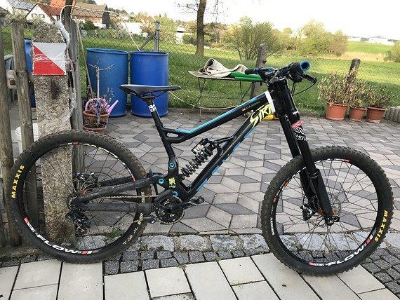 Bergamont Straitline Team XL + Radsatz u Dämpfer