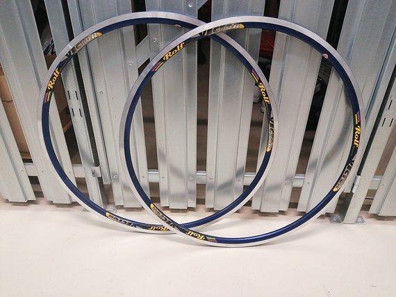 Rolf Vector Felgen Paar 700cc blau 24 Loch