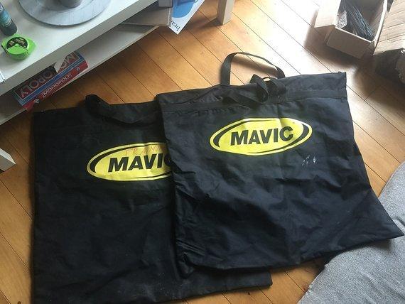 """Mavic Laufradsatz Taschen (26"""", 27,5"""", 29""""), zwei Stück!"""
