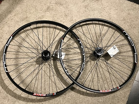 Stans Notubes / Aivee MT3 High End Laufradsatz *NEU*