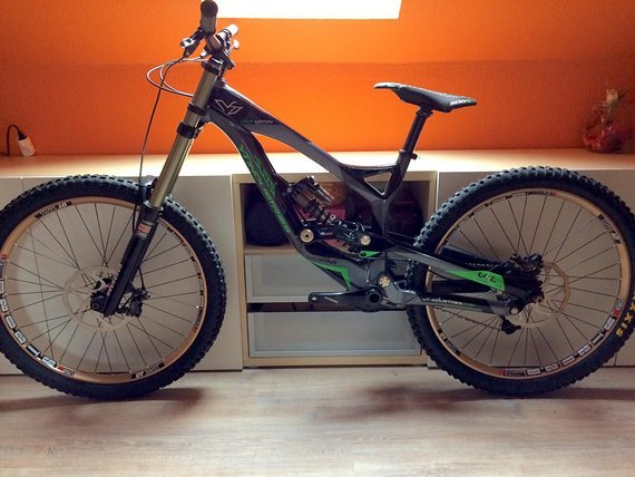YT Industries Tues 2.0 Comp